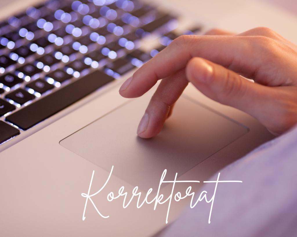 Hand, die auf dem Tochpad des Laptops liegt
